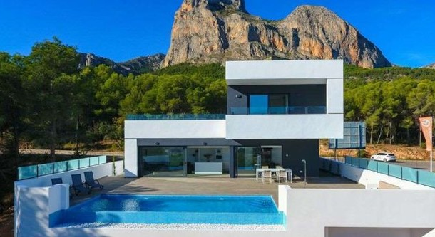 Property on the Costa Blanca: apartments, townhouses, villas